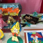 Ребята дошкольного и школьного возраста конкурса поделок «Мой любимый герой»